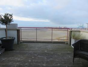 Dit is werkelijk uniek!! Het gemeubeld appartement bevindt zich op de zevende verdieping en heeft een prachtig zee-, haven en landzicht! Terrassen zij