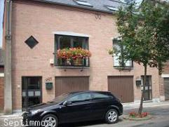 Très belle maison style Bel étage idéalement située à Mons sur un terrain de 3 ares 16ca, proche de toutes co