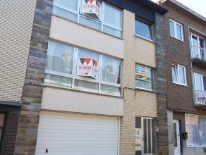 Mooi appartement in het centrum van Aalst. Dit appartement is gelegen op de eerste verdieping en bestaat uit een mooie leefruimte, ingerichte keuken,