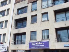 Volledig vernieuwd appartement in het centrum van Aalst! Dit appartement is gelegen op de tweede verdieping en bestaat uit een inkomhal, ruime leefrui