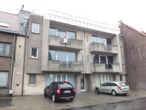 Gezellig appartement te huur met balkon - terras aan de stadsrand van Aalst. Ruime living met schuifraam naar terras, nieuwe open keuken met alle nodi