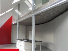 Laeken, dans petite construction de 2009, au 3ème étage, spacieux et lumineux loft duplex de 156m² composé: living et cuisin