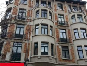 SCHAERBEEK, dans une rue calme, à proximité du Boulevard Lambermont et du pont Van Praet, appartement sousplex, de Â80m², 2 c