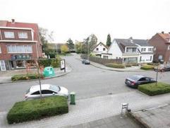 Rustig gelegen gerenoveerde opbrengsteigendom nabij centrum MortselGerenoveerde eigendom opgedeeld in 3 aparte wooneenheden:App. 1: gelegen op 1ste 2d