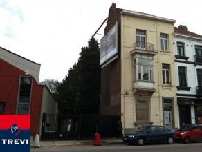 BRUXELLES / Quartier Vert Chasseur, sur la Chaussée de Waterloo, immeuble mixte (commerce et logements) de Â300m² avec parkings &agr