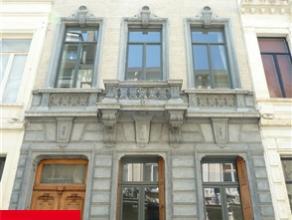 BRUXELLES, (Saint-Josse-Ten-Noode), à deux pas des Institutions Européennes et de toutes les commodités, dans un quartier tr&egra