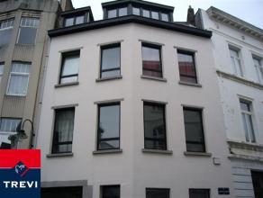 En plein coeur de Bruxelles, dans un quartier recherché, bel appartement de 80m² habitables situé au 3ème et dernier &eacute