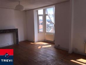 SAINT-JOSSE, à deux pas de la place Madou, appartement de ±60m² habitables avec très peu de charges, situé au 3&egrav