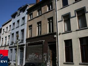 BRUXELLES, à deux pas de la rue Royale, à proximité des transports et des commerces, immeuble de rapport de ± 600m² h