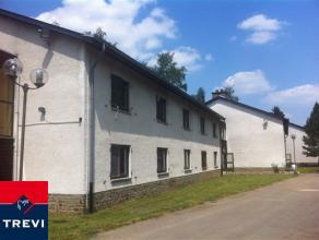 A proximité de Durbuy, au cœur des Ardennes belges, bel ensemble immobilier de 4636m² sur un terrain de 2ha61a08ca! Il comprend &a