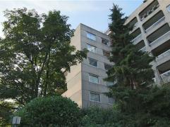 FOREST, à proximité de l'Altitude 100, des transports en commun et des commerces, au 4ème étage d'un immeuble de standing