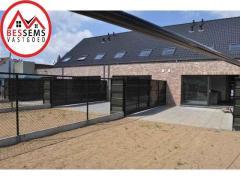 Asse:2 ruime woningen aan het centrum van Asse te koop, dit uit een project van 5,waarvan er reeds 3 verkocht zijn! De woningen bestaan uit een inkomh