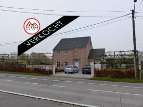 Opwijk;Te Opwijk hebben wij deze prachtige energiezuinige (E peil van 57) villa te koop. Op het gelijkvloers hebben we een ruime woonkamer met eetkame