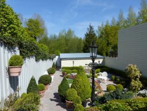 Deze woning is gelegen op wandelafstand van het centrum van Bornem. Met zijn schitterende aangelegde tuin, uitzicht op bosrijke natuur is dit een pare