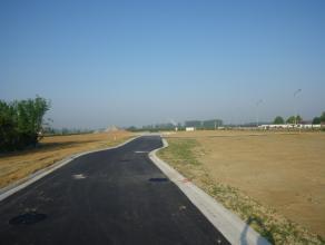 Rustig en centraal gelegen bouwgrond van 645 m² voor open bebouwing à la carte. Alles is mogelijk.