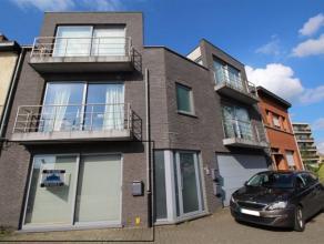 Recent en mooi afgewerkt appartement op het gelijkvloers in Londerzeel-Sint-Jozef. Woonkamer met centrale open keuken, volledig ingericht. Slaapkamer
