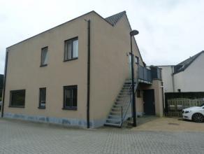 Gelijkvloers appartement in het hartje van Londerzeel Sint-Jozef bestaande uit een leefruimte met open keuken, badkamer, 2 slaapkamers, tuintje en ove