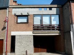 Appartement in centrum van Londerzeel met rustig en groot terras met pergola. Heeft 1 slaapkamer, aparte keuken met eethoek, balkon aan de straatkant,