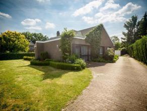 Prachtige bungalow op 15a29ca            Gelegen op een boogscheut van Genk centrum bevindt zich op de Guillaume Lambertlaan deze prachtige bungalow.