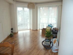 Jozef de Bomstraat INSTAPKLAAR, gezellig en goed onderhouden éénslaapkamer appartement gelegen nabij Mechelsesteenweg op de 3e verdiepi