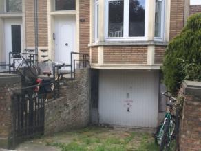 VOOR AFSPRAKEN EN INFO ENKEL PER MAIL: INFO@FIDESINVEST.BE<br /> Ruime autostaanplaats gelegen te Ter Rivierenlaan 159 in Deurne.<br /> De staanplaats