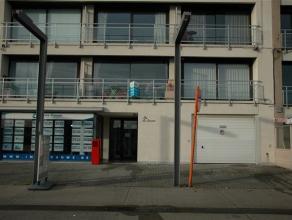 Instapklare, verhuurde studio, gelegen op de eerste verdieping met een open zicht op de jachthaven. Indeling : Inkom - leefruimte- halfopen ingerichte
