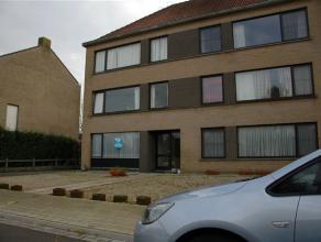 Dit gelijkvloers appartement met een oppervlakte van 65m², is zeer rustig gelegen, vlakbij winkels en het openbaar vervoer. Indeling : Inkom - in