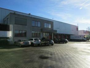 Mooi logistiek gebouw , zeer goed onderhouden met meer dan 9m vrije hoogte. Het magazijn is gelegen in het industriepark naast de A12. Het Magazijn be