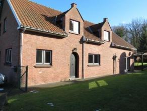 TERVUREN - Charmante villa, située dans une rue en cul-de-sac à côté du parc de Tervuren, à proximité des com