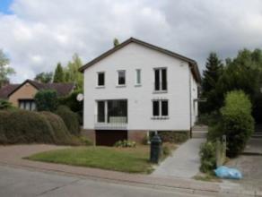 TERVUREN - Belle villa comprenant unenouvelle cuisine équipée, un grand salon / salle à manger (63 m²) avec chemin&eac