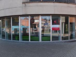 """Deze welgelegen handels- of kantoorruimte is gelegen op de gelijkvloerse verdieping van de nieuwbouw residentie """"Rozenhof"""" op de Tiensesteenweg te Kor"""