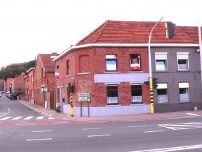 Deze woning met garage ligt vlakbij Leuven en alle belangrijke verbindingswegen. Deze knusse woning met ingang op de Platte Lostraat omvat: Indeling: