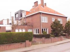 Deze riante villa met uitstekende centrale ligging, vlakbij het station van Leuven en alle verbindingswegen en op een boogscheut van het historisch ce