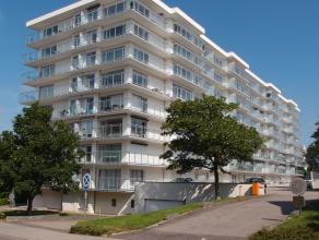Dit lichtrijke appartement is gelegen op de 3de verdieping van residentie Bloemfontein. Indeling: Gelijkvloers: Individuele kelder nr. 32 (1,80x0,85 m