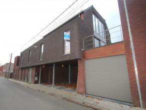 Landelijk gelegen duplexwoning centrum Assenede ! Zeer uniek gelegen half-open Bel - étagewoning met prachtige terrassen. De terrassen bieden e