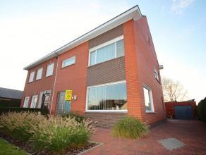 Ideaal gelegen en goed onderhouden woonhuis in het centrum van Ertvelde ! Deze eigendom is zeer rustig gelegen in een woonwijk op 500m van het centrum