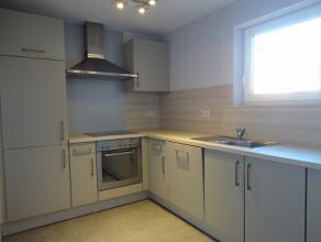 Superbe appartement dans un excellent état composé d'un hall d'entrée avec un W.C séparé, une cuisine équip&