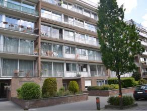 Quartier Karreveld, bel appartement 2 chambres entièrement rénové avec vue sur parc comprenant un beau séjour de 35 m2 ave