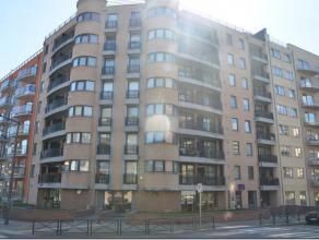 Koekelberg, bel appartement dans un immeuble récent comprenant un beau séjour avec terrasse, cuisine équipée, 2 chambres &