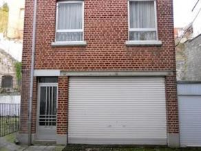 VENDU - DISON : Maison bel-étage 1 chambre, située au calme en retrait de la voirie, disposant d'un grand garage et d'une terrasse de 34