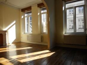 VERVIERS Hyper-Centre : Ce bel appartement 2 chambres est idéalement situé sur le nouveau piétonnier de la rue de l'Harmonie. Tou