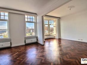 VERVIERS : Magnifique appartement de standing (100 m²) situé au 3ème étage d'un immeuble de caractère. Celui-ci est t