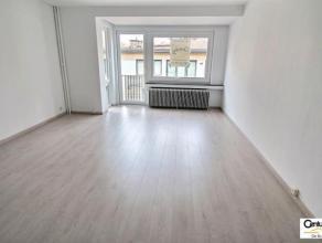 OPTION - OPTION - OPTION !!! VERVIERS : Cet appartement entièrement rénové de 70 m² se situe dans une résidence calme