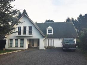 Magnifique villa située dans le quartier Nord de Braine le Comte à proximité des commerces, écoles et transports. Id&eacut