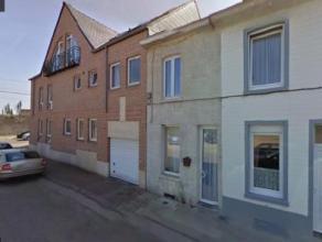 Idéalement située dans le centre de Braine le Comte, cette maison nécessitant quelques travaux est idéale pour un jeune co