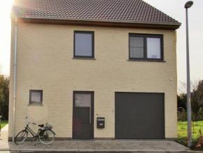 Ontdek deze nieuw te bouwen woning op een grondoppervlakte van 289 m² op een zeer rustige ligging! Reeds voorzien in deze woning : ingerichte keu