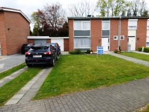 3-faade avec jardin et garage sur 2 are 92 compos d'un hall d'entre, living, cuisine, salle de bains - à l'tage 4 chbres à coucher - fra
