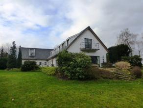 Zeer ruime villa op 60 are met tuin en garage met een bewoonbare oppervlakte van 450 m2 bestaande uit inkomhal, living  eetplaats bureel - keuken - 6