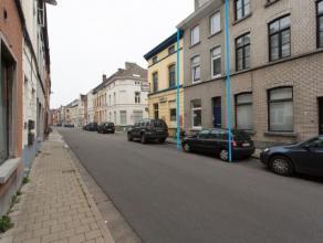 Vergunde opbrengsteigendom voor 3 entiteiten gedoogd voor 5, met een opbrengst van 1.600EU/maand. Gelegen in de Karperstraat te Gent, nabij invalswege