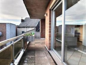 Spacieux et lumineux appartement situé à quelque pas de la gare de Tubize (15 minutes de Bruxelles), ce logement dispose de tout les ato
